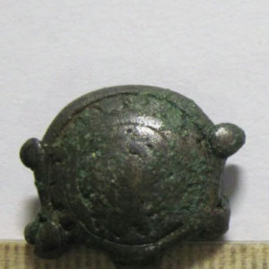 Пуговица «черепаха». Бронза, литьё, 12-14 вв., Пустошинский могильник