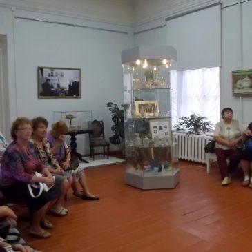 Выставочный проект «Хрупкое очарование былого: искусство сервировки стола XVIII – XIX веков» подводит первые итоги.