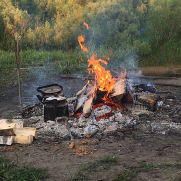 Более полусотни человек стали гостями пятого литературно-музыкального праздника «Рубцовский костёр на Толшме»