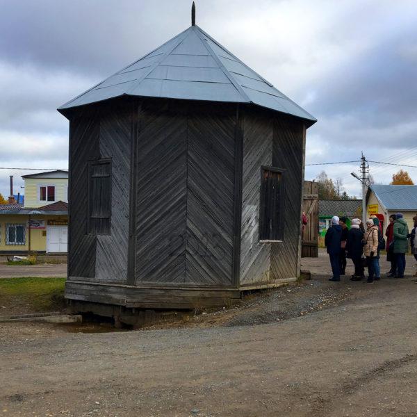Мариинская башня в центре села им. Бабушкина на правом берегу реки Леденьги